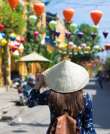 VNM.Hanoi.Touristin mit Hut