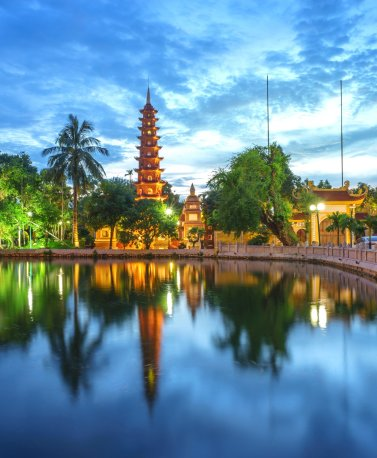 VNM.Hanoi.Turm.Wasser.Brücke