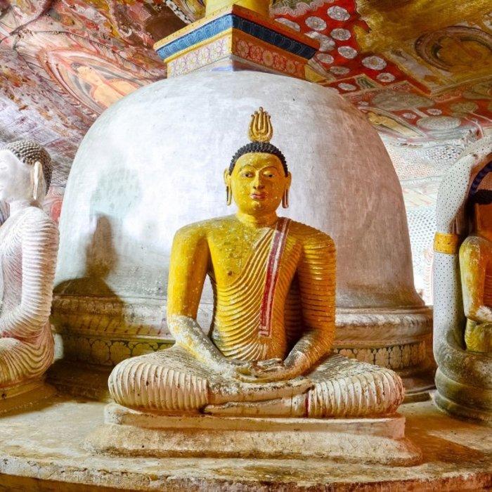 LKA.Dambulla goldener Buddha