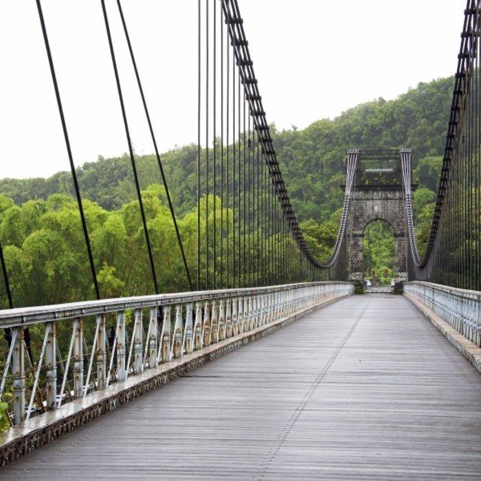 REU.Sainte Anne.Old suspension Bridge