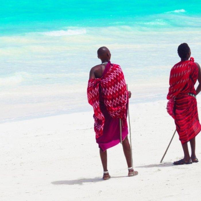 TZA.Sansibar.Men on Beach