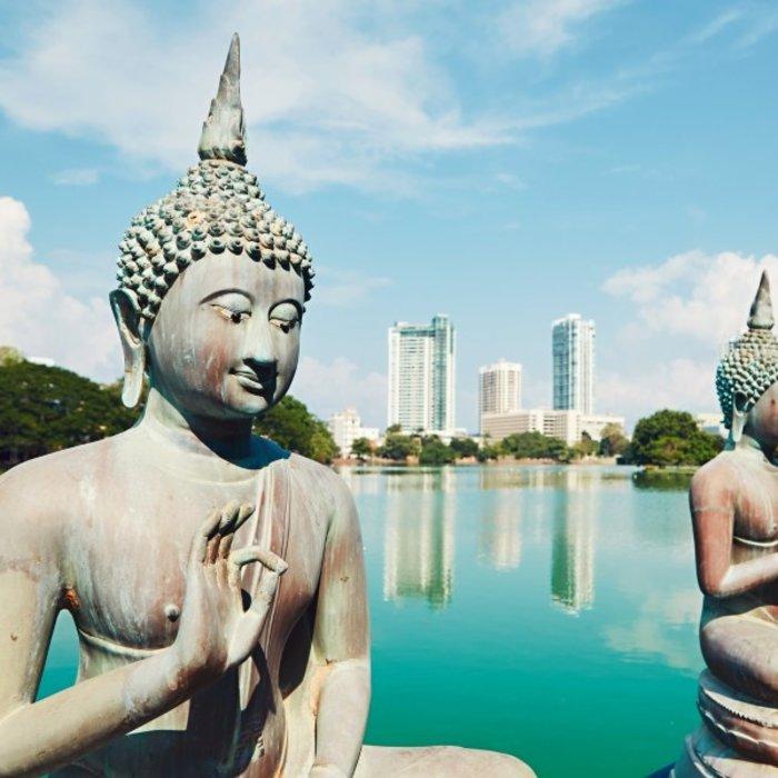 Buddha statues Colombo