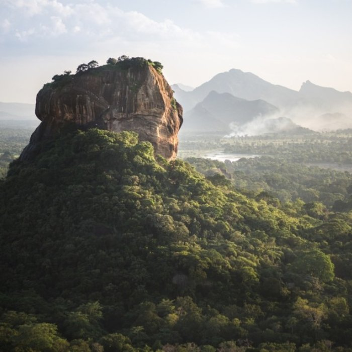 LKA.Sigiriya Lion Rock