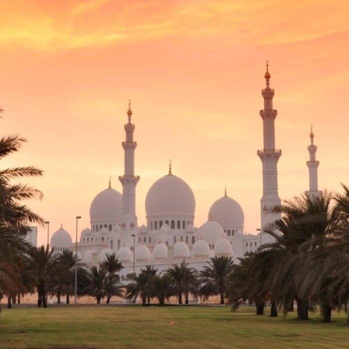 VAE.Abu Dhabi.Zayed Moschee abend