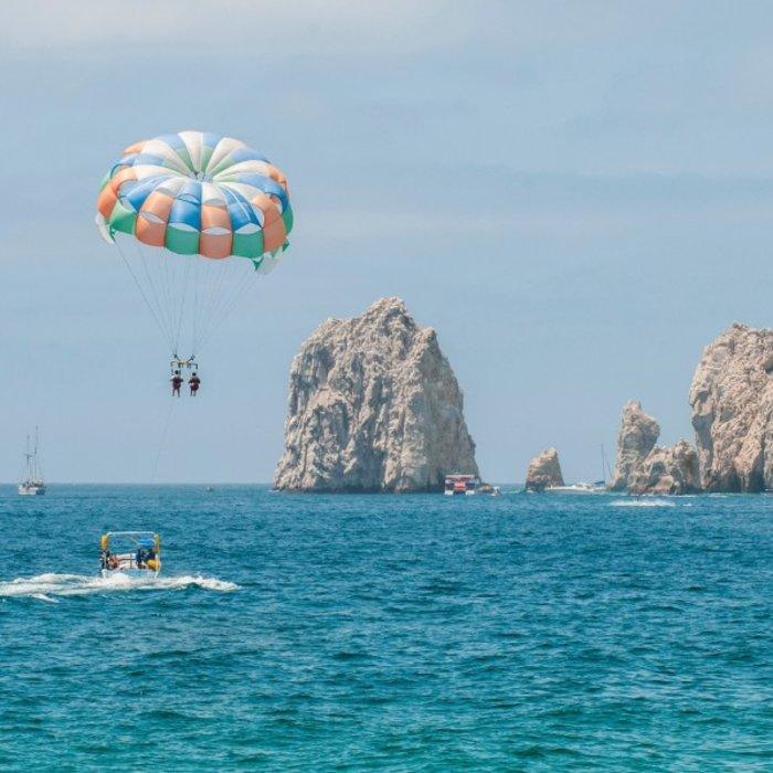 Cabo San Lucas_Paraseiling