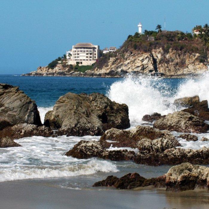 Puerto Escondido_cliffs