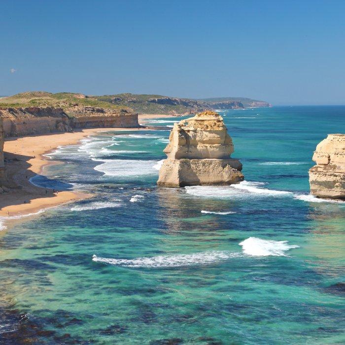 AU.12 Apostels Above2 Blick auf die Twelve Apostels entlang der Great Ocean Road in Australien.