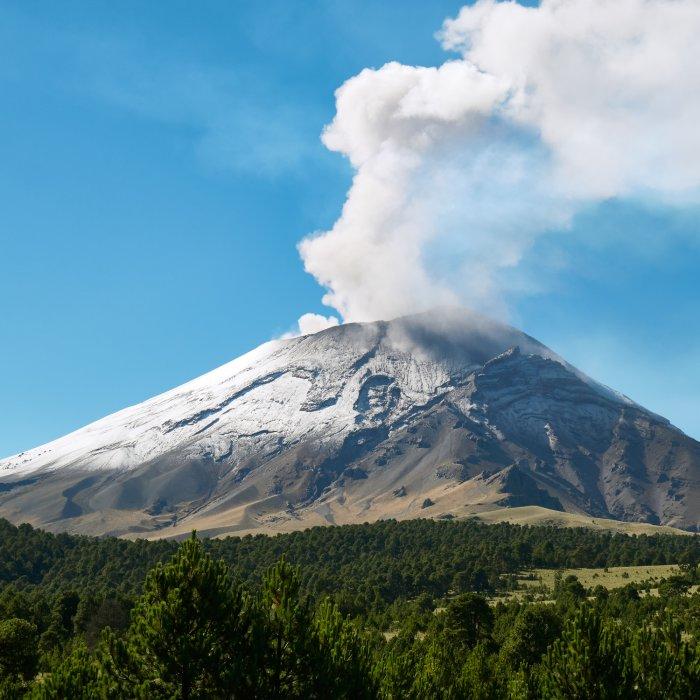 MX.Popocatépetl Der Rauch speiende Vulkan Popocatépetl