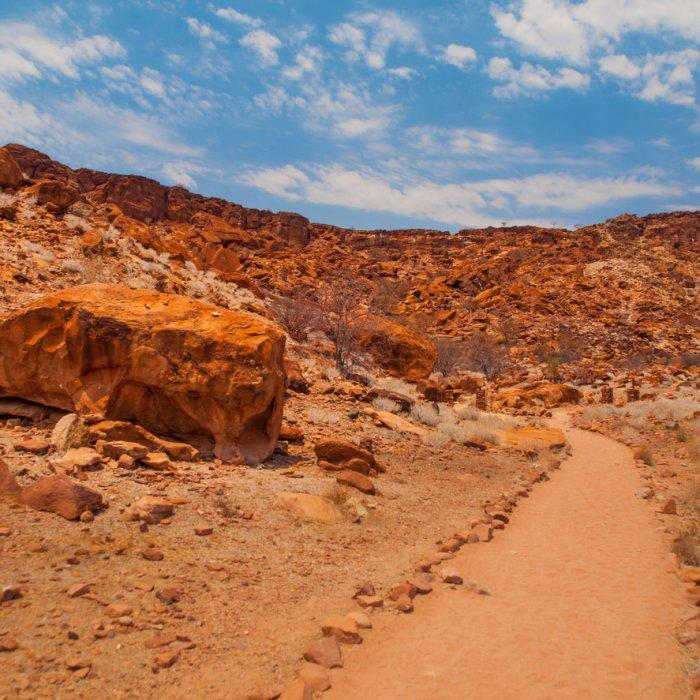 Die steinige Landschaft von Twyfelfontein