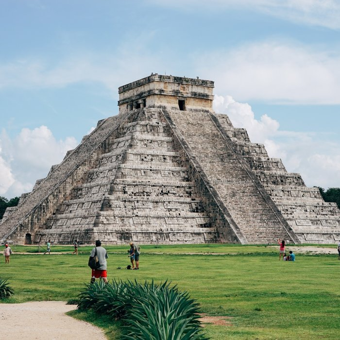Große Pyramide der Ruinenstätte