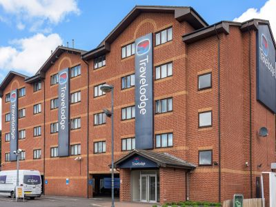 Hotels Near Park Royal