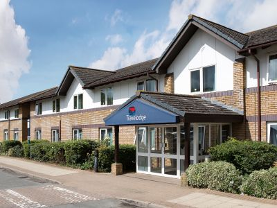 Travelodge Bicester Cherwell Valley M40