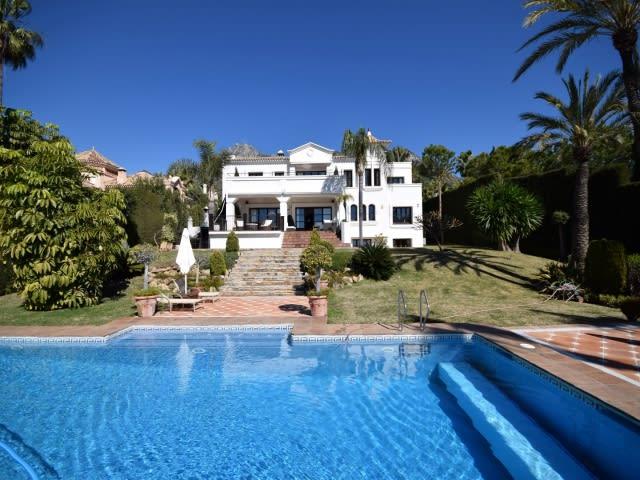 f4b6fa7700ce27 10 bed Holiday villa in Marbella