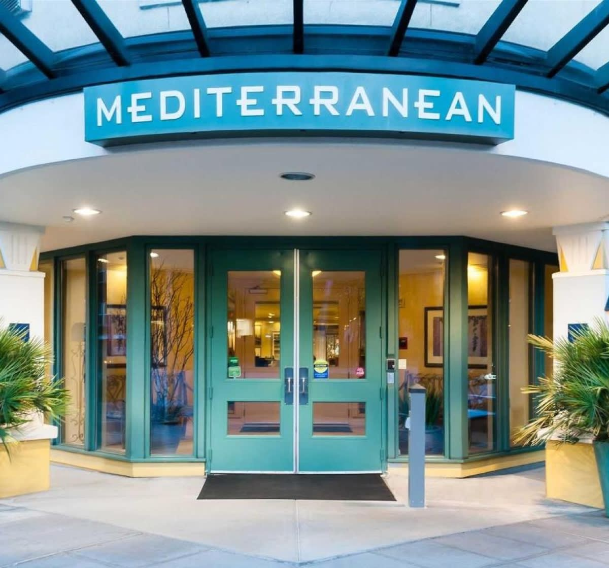 med-inn-entrance