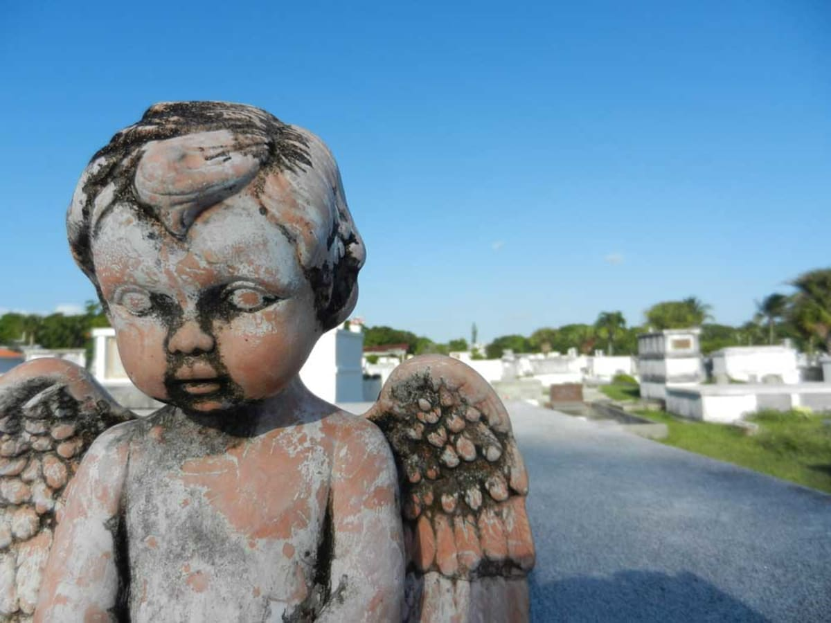 Angel statue in Key West Cemetery
