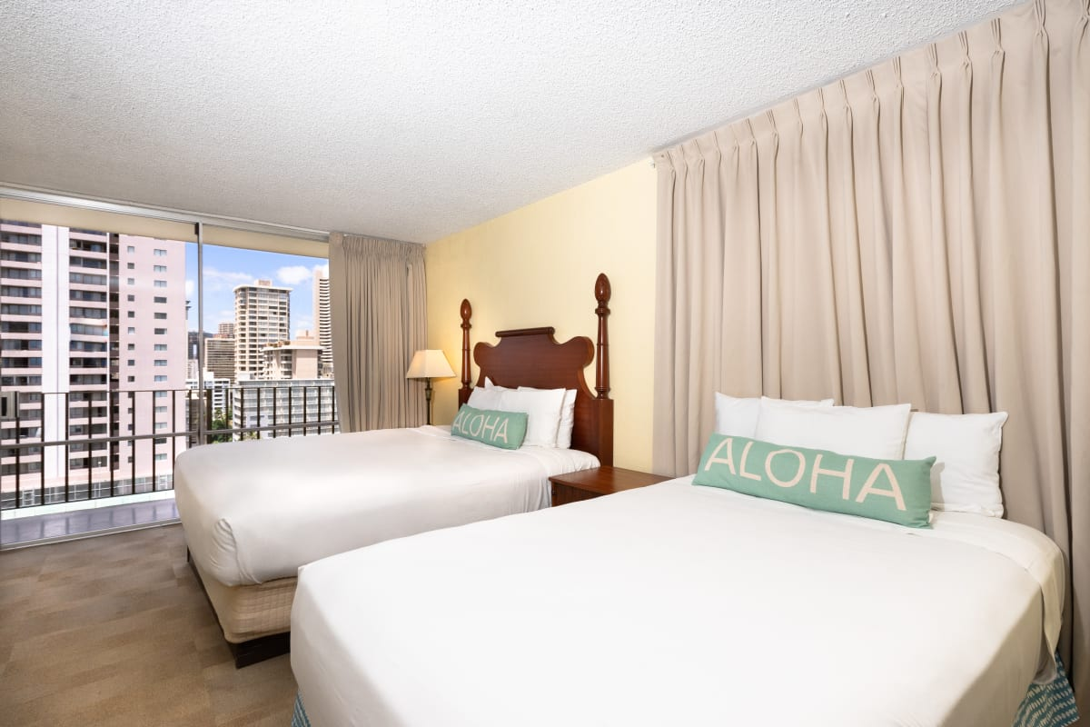 OHI - Sky View Junior Suite Two Beds with Kitchen (CJ2B)(2)
