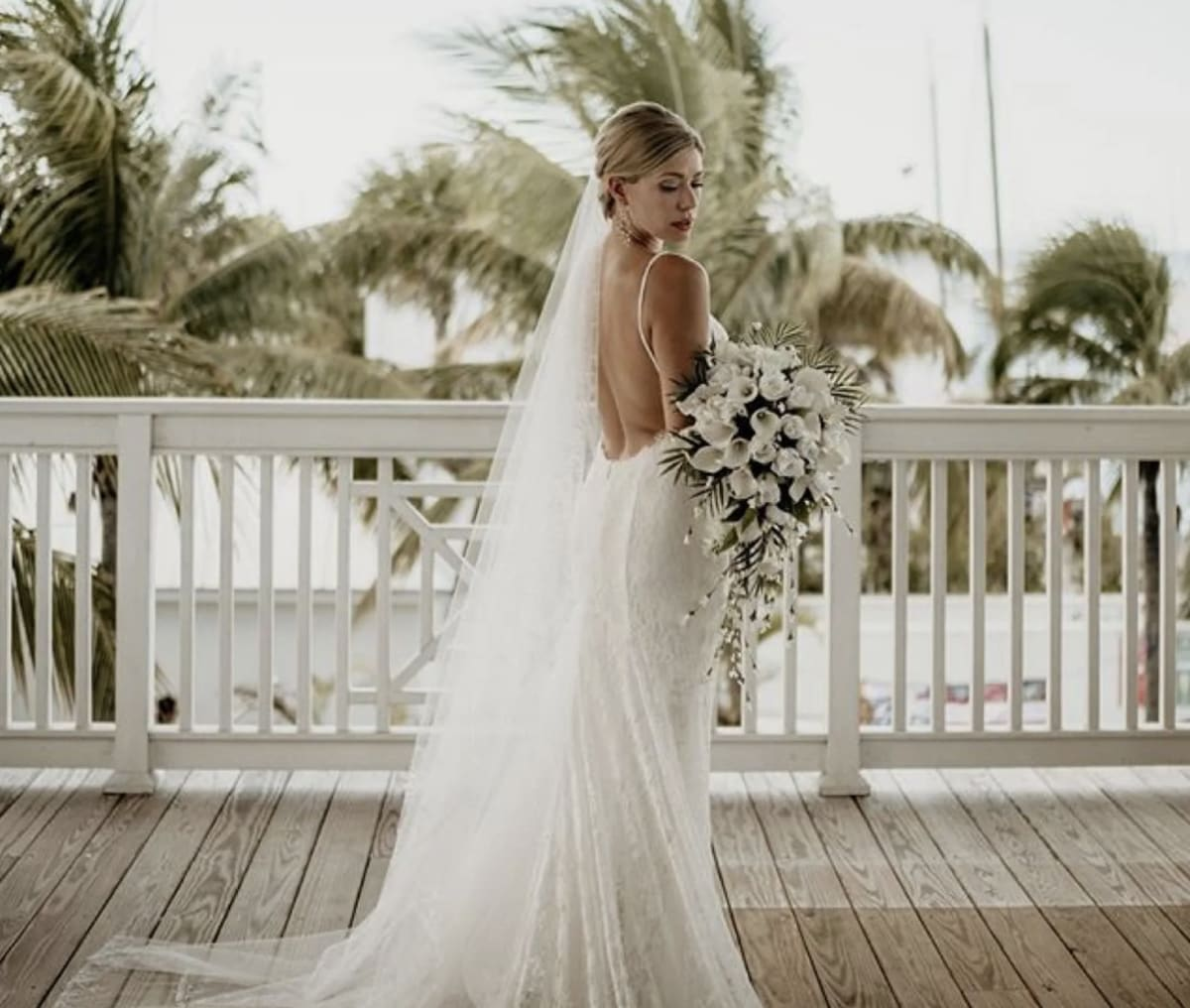 The Spotlight on a Simple Elegant Wedding in Key West