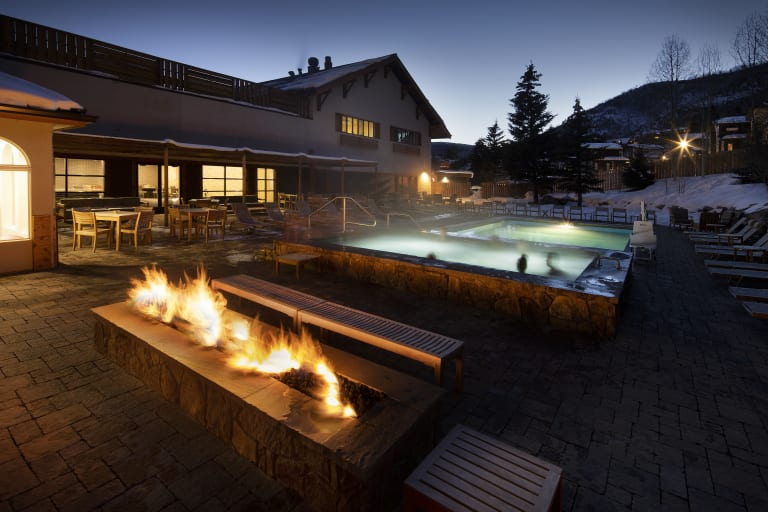 Highline Hotel Vail Mountain Pool and Fire pit