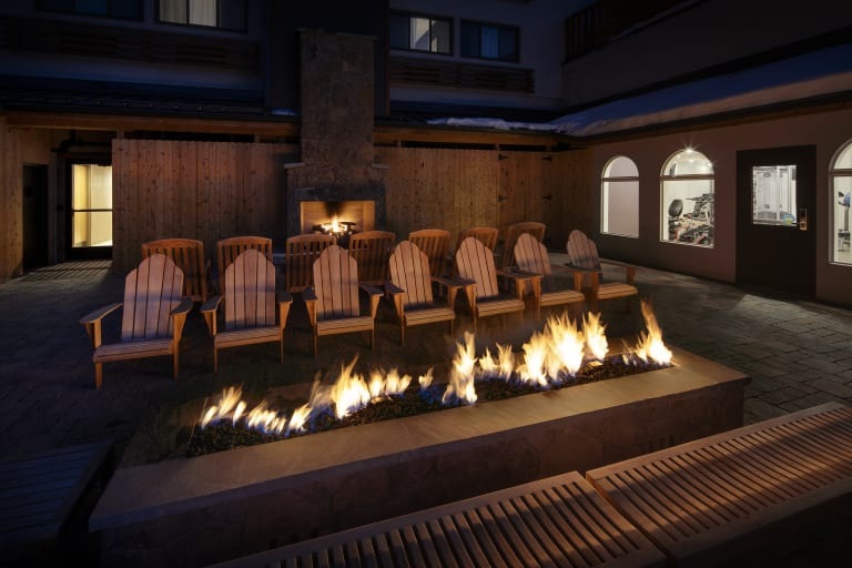 Highline Hotel Vail by Doubletree Mountain Chic Lodge outdoor amenities