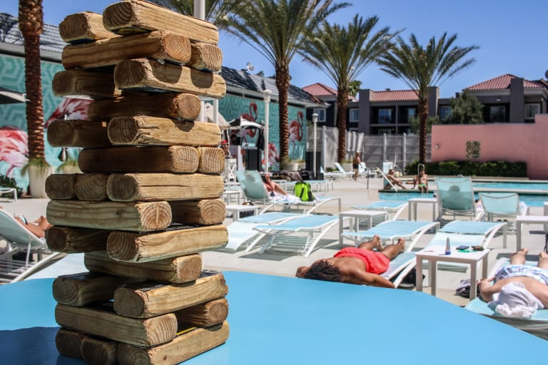 Pool Lifestyle - Jenga