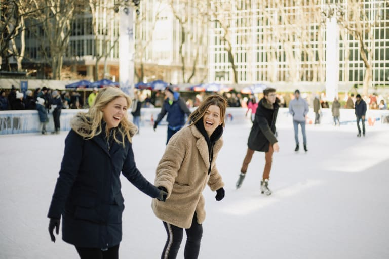 friends-ice-skating
