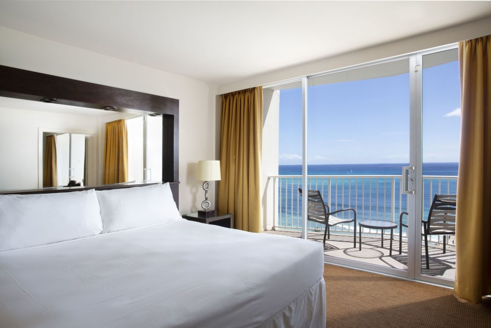 Ocean Front Suite King Bed