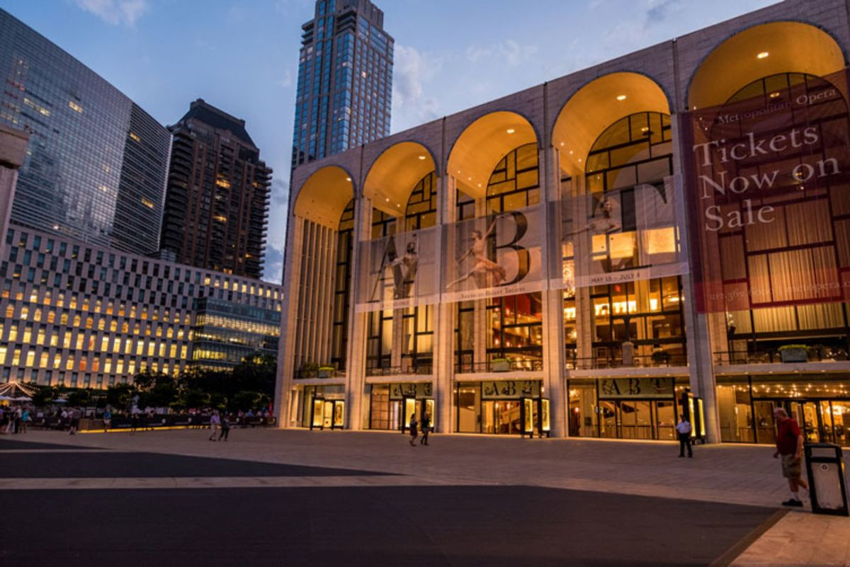 lincoln-center-facade-at-twilight