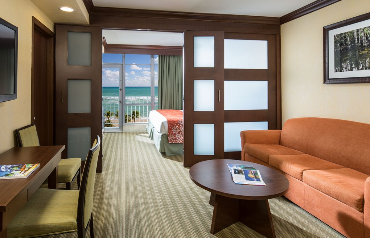 Rooms in Newport Beachside Hotel