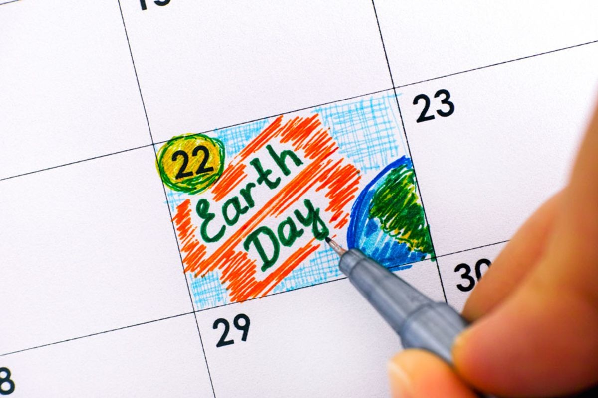 closeup-of-calendar-with-april-22-marked-as-earth-day