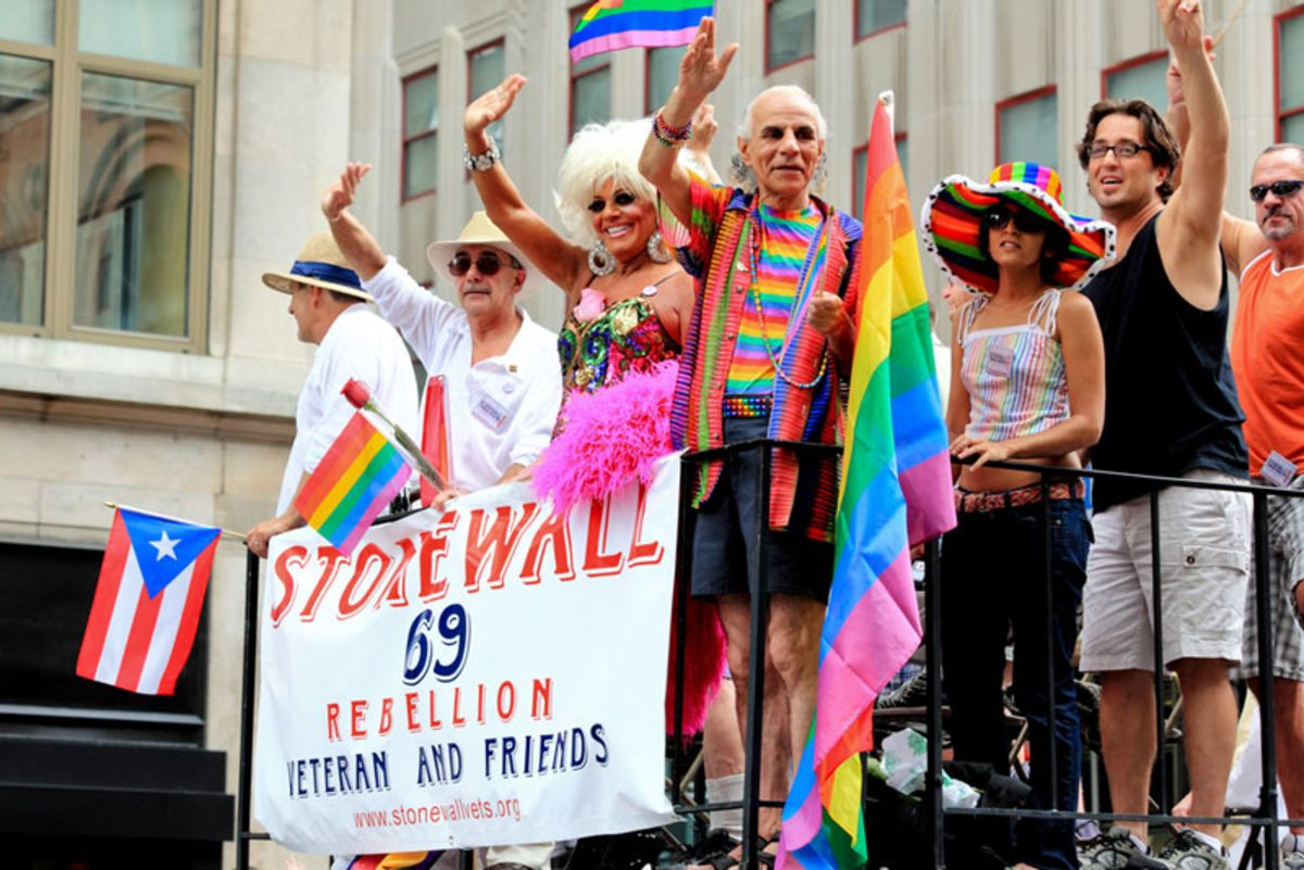 veterans-of-stonewall-in-pride-march