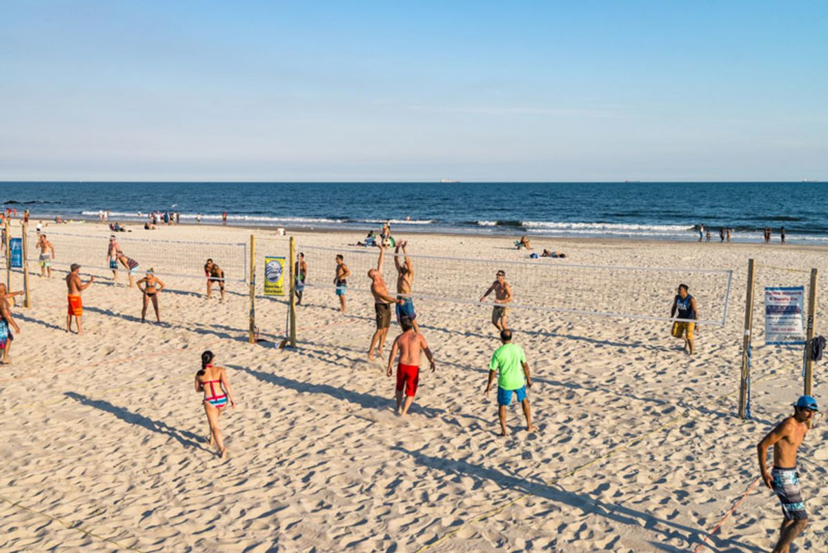 people-playing-volleyball-in-long-beach-ny