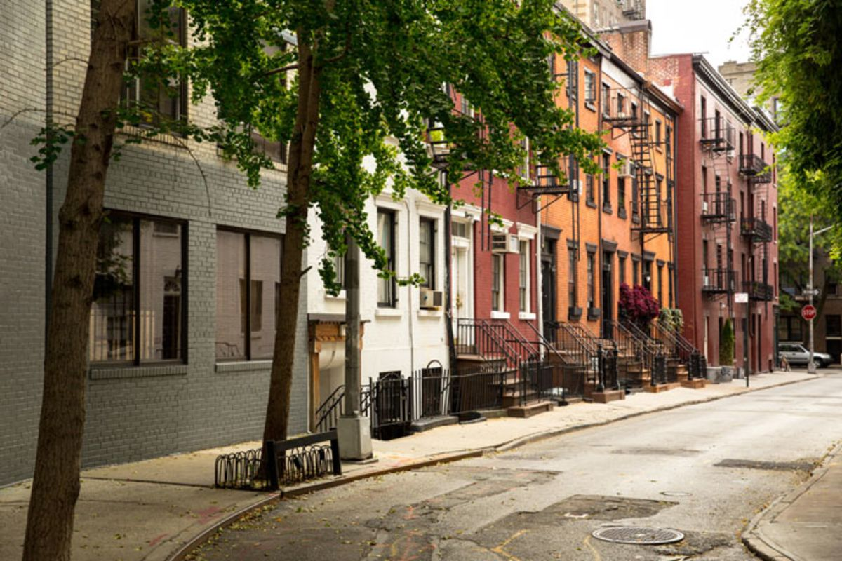 quaint-street-of-brownstones-in-greenwich-village