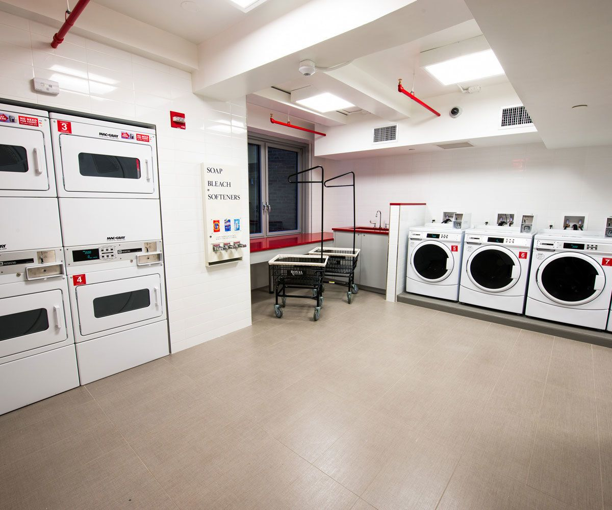 hotel-beacon-laundry-room