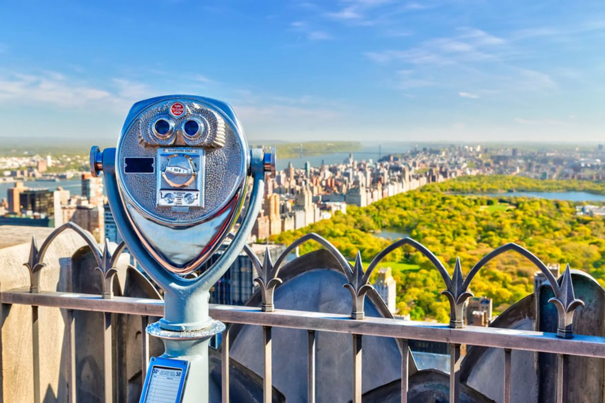 tower-binoculars-overlooking-central-park
