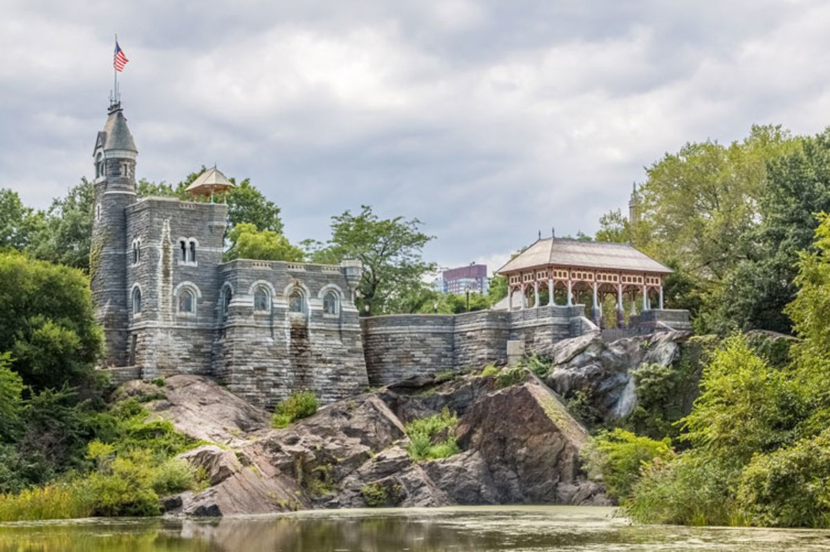 belvedere-castle-on-a-sunny-day