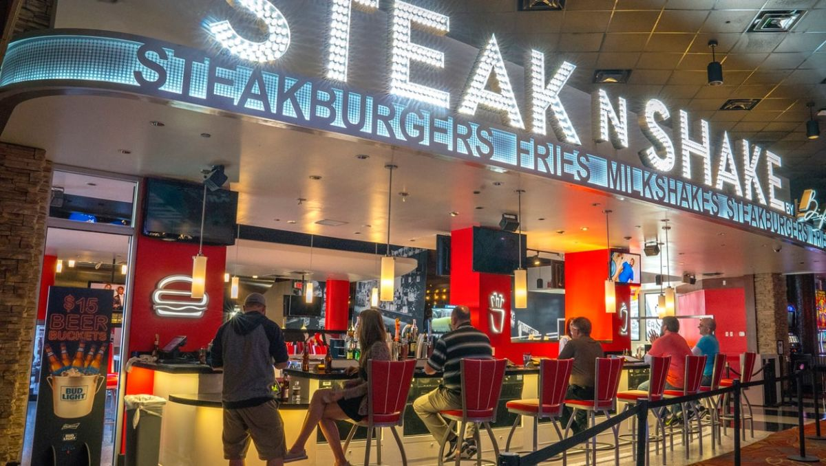 OYO Hotel & Casino Las Vegas steak n shake