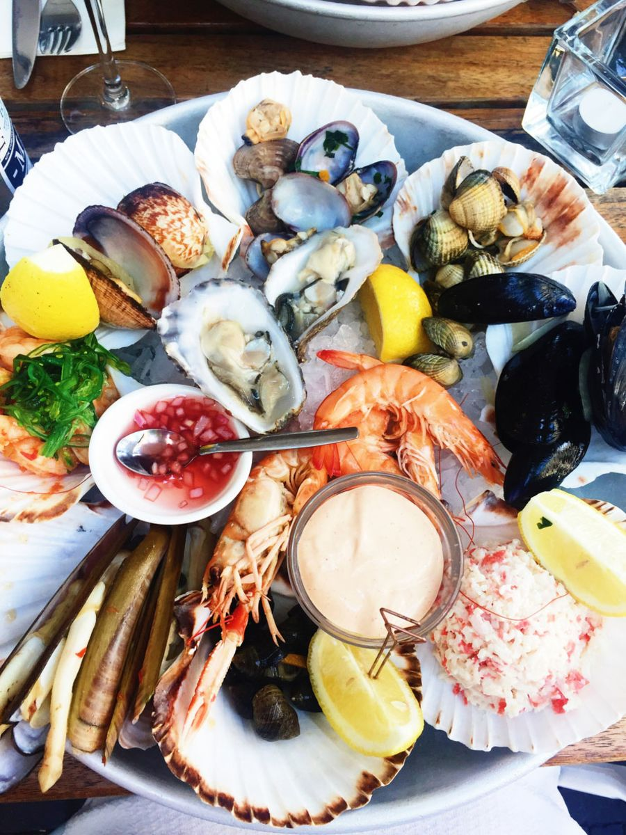 gale-fl-location-intro-seafood-platter