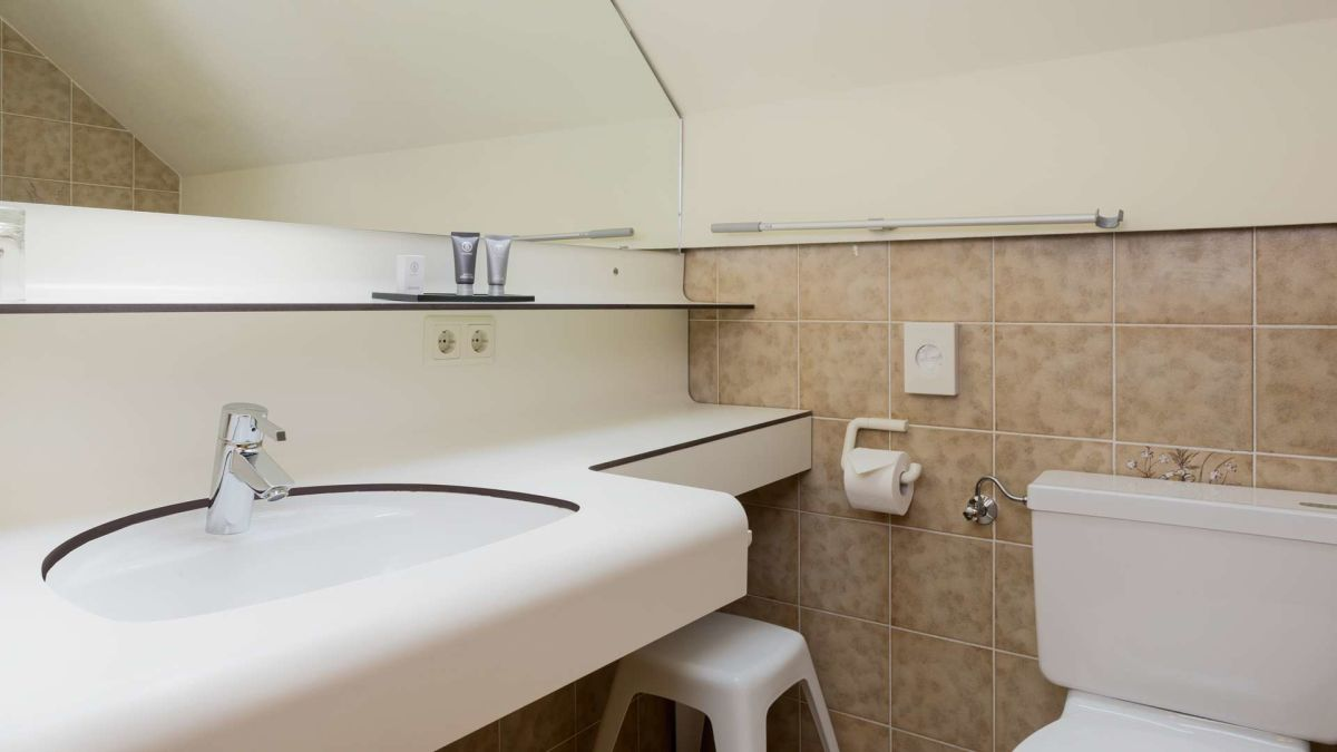 3 Room Comfort bathroom