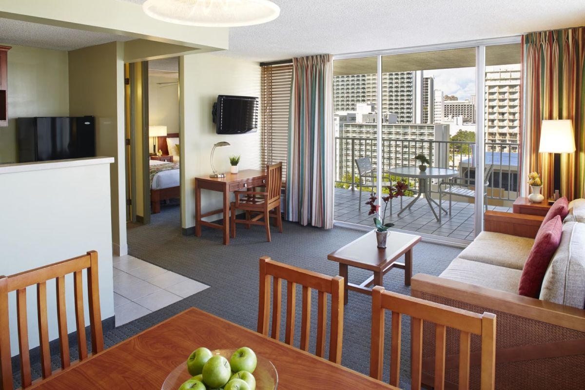 Pacific-Monarch-1-Bedroom-Kitchenette-Partial-Ocean-View
