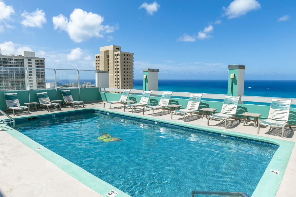 Pacific-Monarch-Pool-3