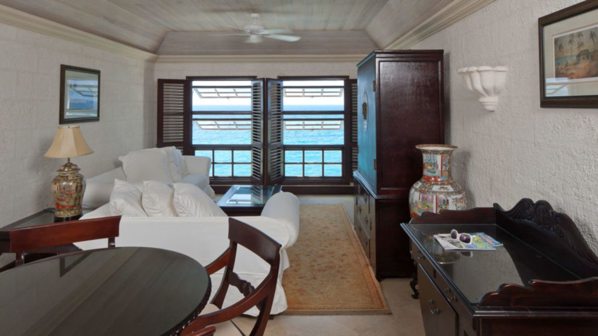Ocean View Suite - Alt