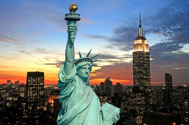 Photo of The Manhattan Club's Liberty Statue