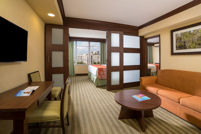 Newport-Beachside-Resort-Winter-2017_room-515_01