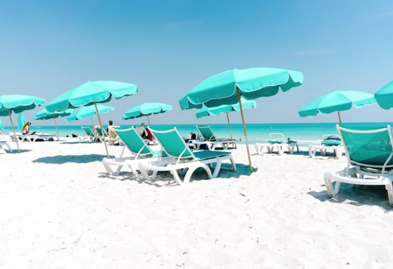 lennox-hotel-beach-umbrellas