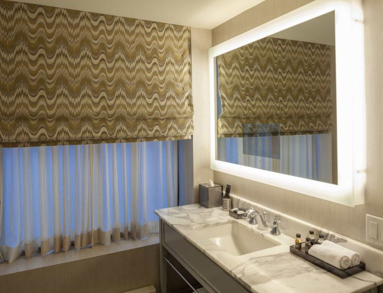 Photo of The Manhattan Club's hotel Citylights Bathroom