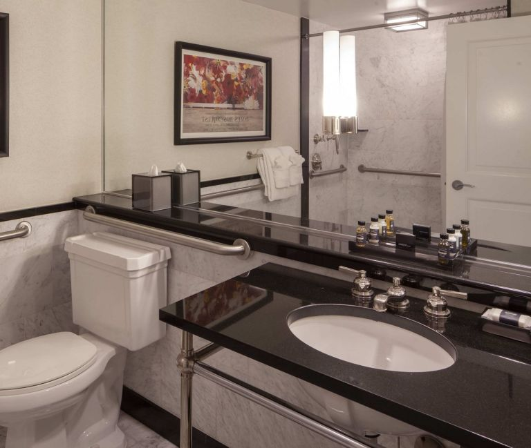 Photo of The Manhattan Club's Metropolitan Bathroom ADA