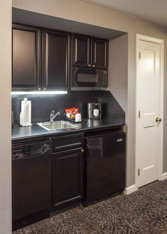 Photo of The Manhattan Club's One Bedroom Kitchenette
