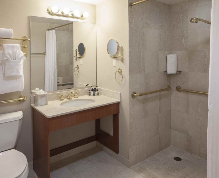 Photo of The Manhattan Club's One Bedroom Bathroom ADA
