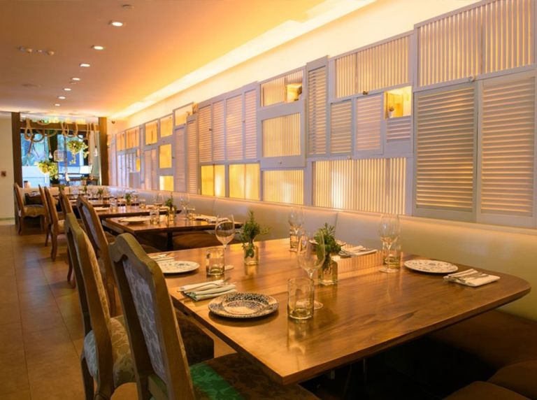 Sarsaparilla Club Restaurant Shelborne South Beach