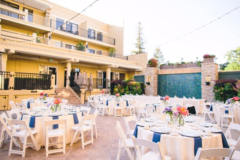 reception-at-courtyard